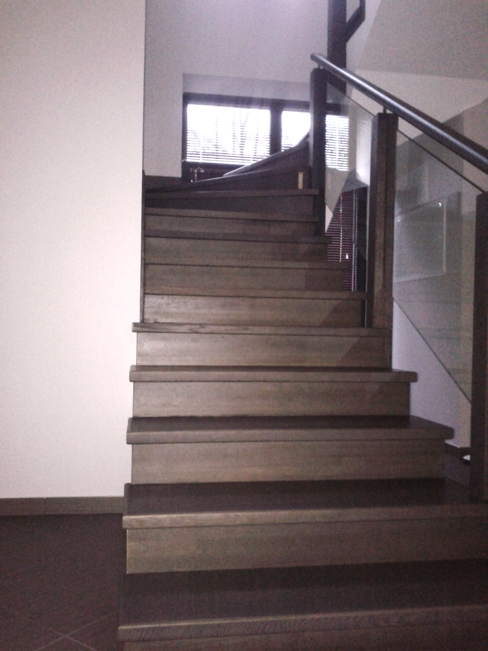 стеклянные перила для лестниц в калининграде нашу